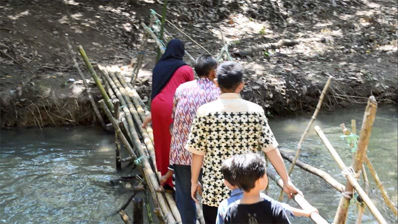 foto-pemandangan-wisata-goa-liang-tapah-tanjung-kalsel-muara-uya-jembatan