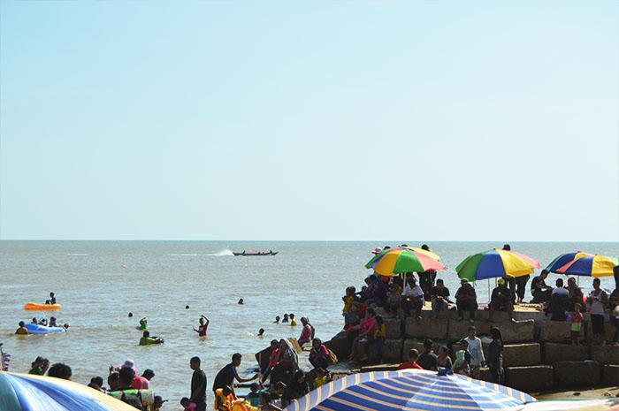 pantai-takisung-kalsel