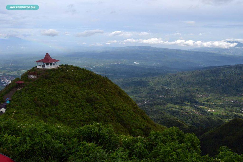 pemandangan-hijau-yogyakarta-gunung-andong